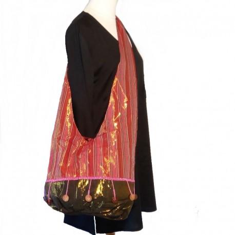 Burgundy cotton shoulder bag with pink beads
