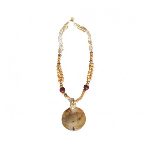 Necklace beads, wood and nacre - cream - photo taken flat