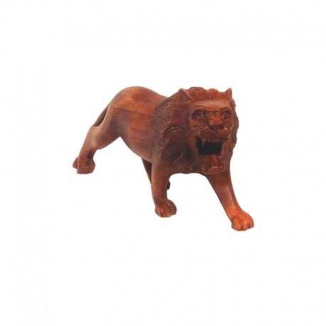 Lion running right in Suar wood H 11 cm